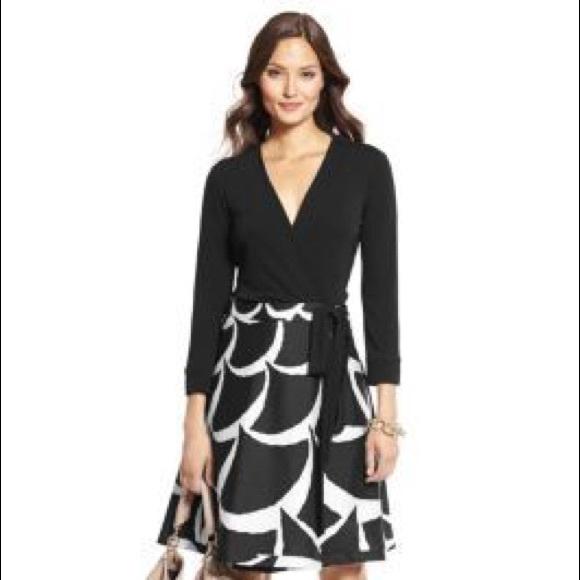 Diane Von Furstenberg Dresses & Skirts - DVF Amelia Silk Wrap Dress